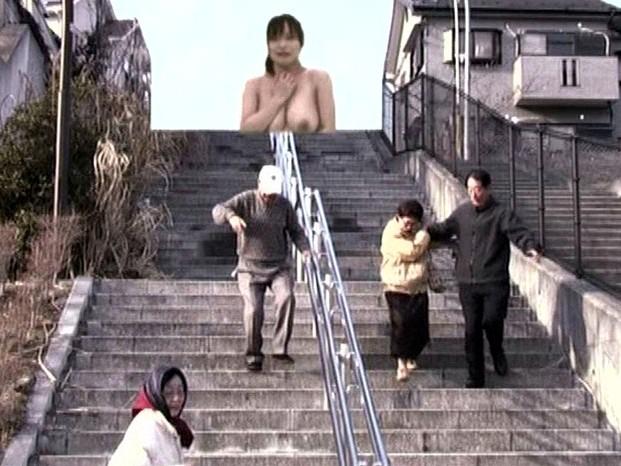 全裸巨大少女 の画像13