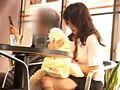 行列のできる人気カフェ店で赤ちゃん型アクメドールにこっそり授乳!!露出!!挿入!! サンプル画像 No.5