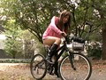 これが限界ギリギリ露出街中潮吹き アクメ自転車がイクッ!! アクメ第6形態 サンプル画像 No.2