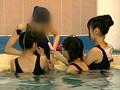 身長135cmのスク水ちびっ娘3人組 営業中のプールでパパには内緒のイタズラごっこ 7