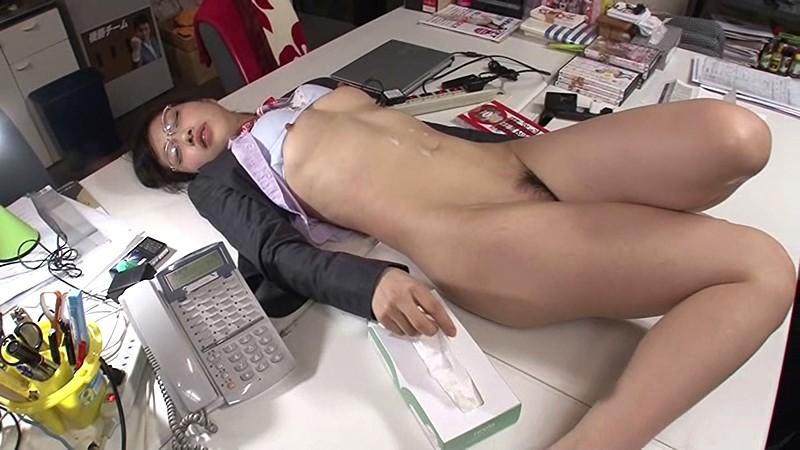 SOD宣伝部 入社1年目 市川まさみ(23) 「おもちゃ責め」「性感エステ」「スローSEX」「激ピストン」!初めてづくしの'性感帯開発'で初イキ体験!! の画像1
