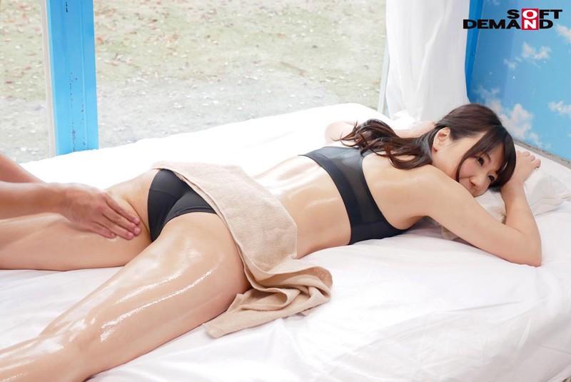 「夫婦限定」マジックミラー号の中で、自慢の奥さんを「寝とって」真正中出し! 16 の画像10
