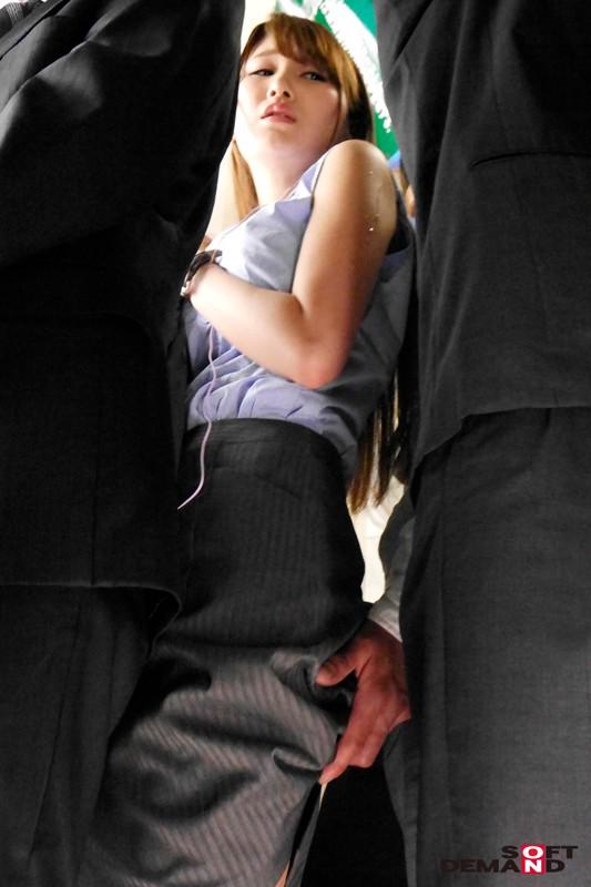 SODロマンス 痴漢通勤電車 ~夫を愛しながら痴漢男との変態で淫乱な世界に溺れる若妻~ 三原ほのか の画像19