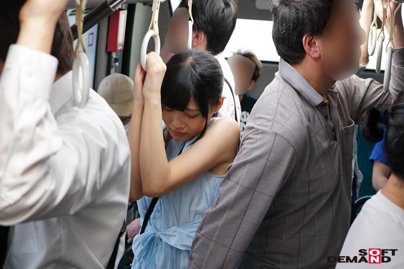 痴漢されることを想像しただけで濡れちゃうんです 痴漢おけまる女子大生 すずかさん(仮)19歳 ~満員バスで痴漢に遭い'膣アゲ'した彼女は、感度上昇・マン汁・唾液・汗が止まらず、つゆだく状態でサイレント連続激イキする!!~ の画像19