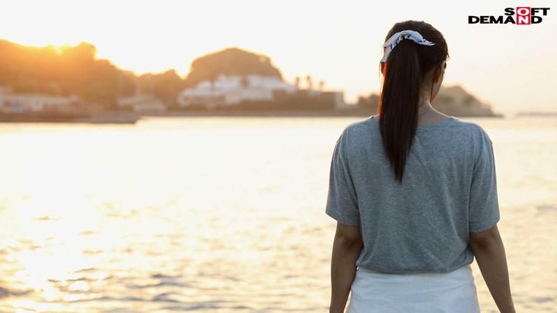 若き日の潮風の匂いが蘇る。小6の息子を持つ湘南のGカップ若ママ。 優木なお 34歳 AV DEBUT-7