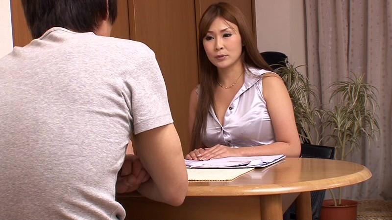 SSR-021磁力_イヤラシイ視線と胸元で顧客の勃起を誘う巨_水希杏