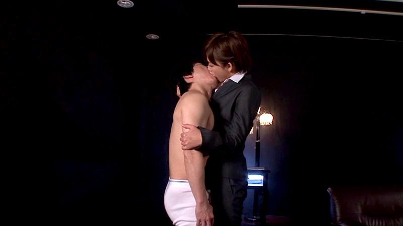 見つめ合って2秒で発情 1254秒濃厚な接吻 2110秒チ○ポを咥える 2768秒男のカラダを舐め回す 8720回痙攣するほどピストン&うねり腰 紗倉まな の画像8