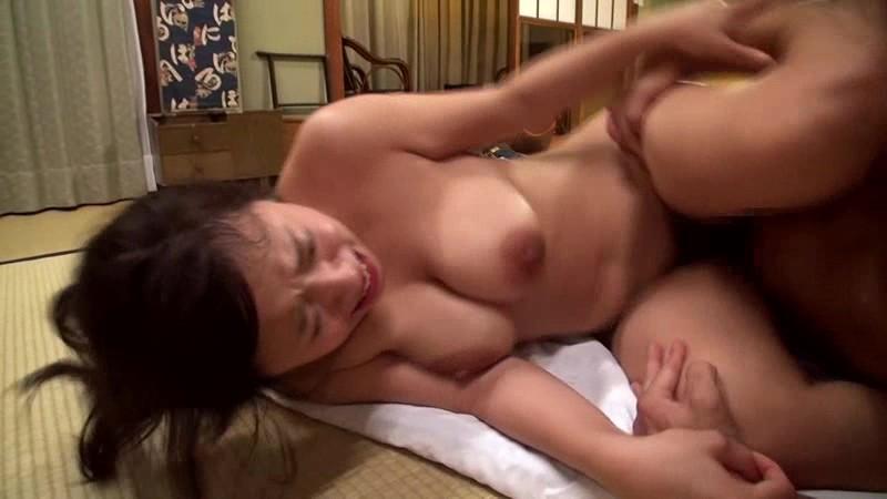 巨乳白石茉莉 動画が久しぶりのセックスを全身で感じまくり