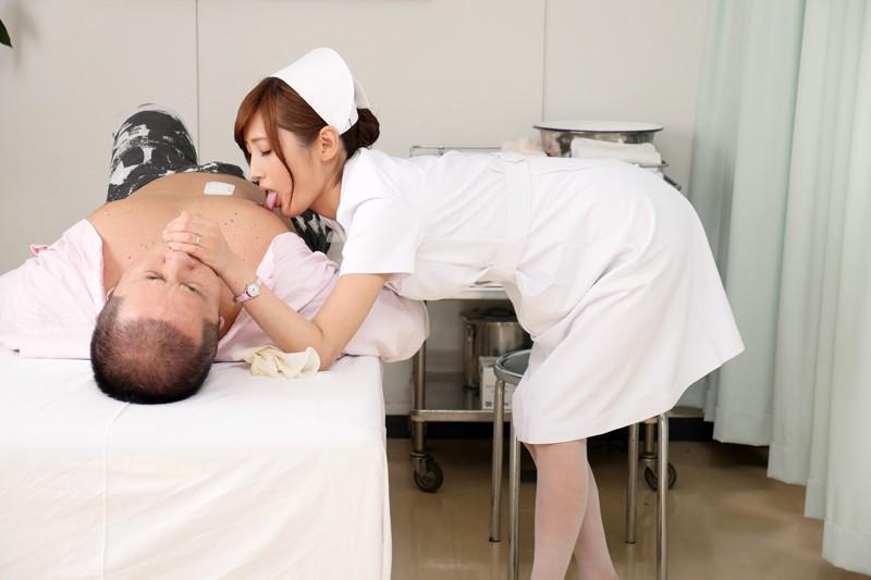 榎本美咲×ドキドキ職場SEX バレそうな状況に興奮して…仕事中にチ○ポを欲しがる誘惑ヤリたがり人妻ナースさん の画像15