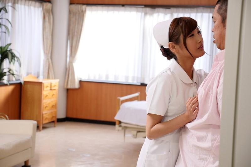 榎本美咲×ドキドキ職場SEX バレそうな状況に興奮して…仕事中にチ○ポを欲しがる誘惑ヤリたがり人妻ナースさん の画像14