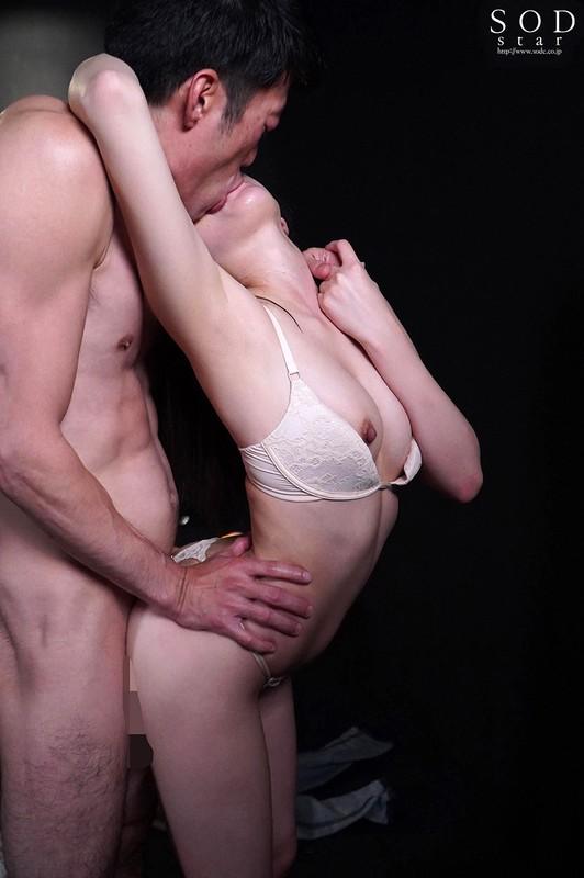 「青空ひかり 激しく求め合う濃密接吻と終わらない連射性交」のサンプル画像です