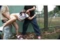 合宿日焼け女子校生をこっそり物陰でマシンバイブで攻めたら、レ○プしているのに大量の潮!潮!潮! 18