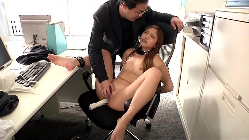 真性マゾOLの淫語全裸勤務 武井麻希 の画像10