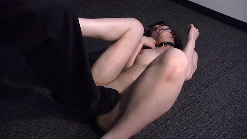 真性マゾOLの淫語全裸勤務 辻本りょう 画像7
