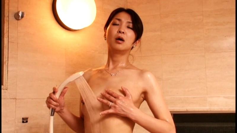欲求不満の艶妻 歪んだ肉欲、弛んだ牝の膣汁が噴出す。 の画像1