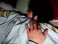 寝取り投稿 夫が寝てる横で緊迫SEX サンプル画像1