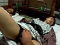 寝取り投稿 夫が寝てる横で緊迫SEX サンプル画像3