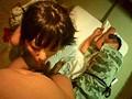 寝取り投稿 夫が寝てる横で緊迫SEX サンプル画像6