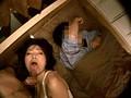 寝取り投稿 夫が寝てる横で緊迫SEX サンプル画像7
