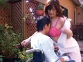 訪問介護先の男をエロ奉仕で誘惑し不貞行為を繰り返すど助平な人妻たち300分 12