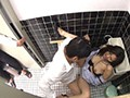 息子の同級生にトイレで脅迫され、失禁しながらも性奉仕する母親 10名300分 12