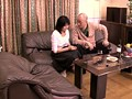 泥酔した人妻が夫に内緒で、親父とヤった淫行の全記録 10