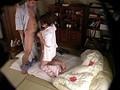 完全盗撮 温泉旅館の客室でサービスする 人妻マッサージ師達の淫悦現場 12