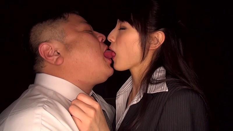 妻をアダルト無料動画配信に出演させる4組の夫婦『朝倉麗