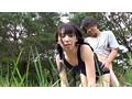 故郷の川で遊ぶスク水少女 サンプル画像8