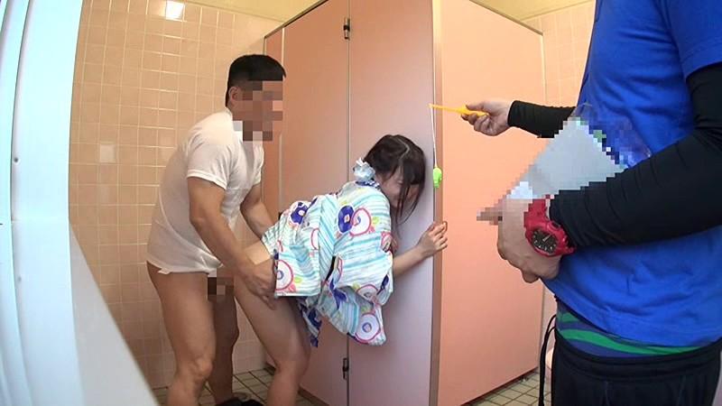 夏祭り浴衣少女公衆トイレレイプ の画像17