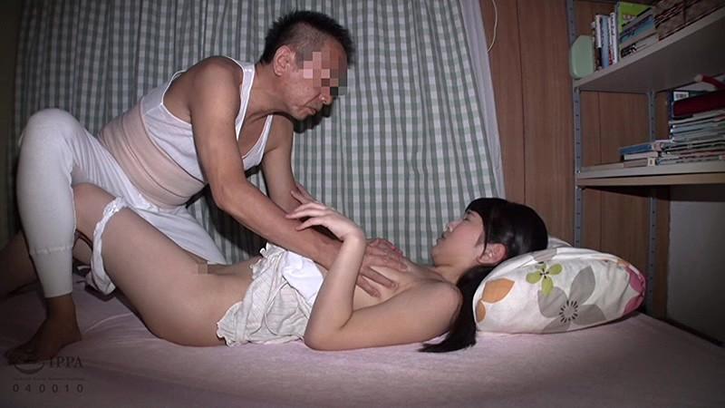 「許して…中だけは…」父に犯され続けた娘の近親相姦映像記録 の画像14