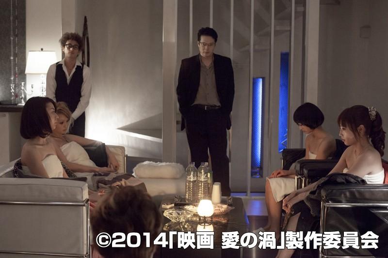 ドラマのストーリーは韓国成人映画女性の