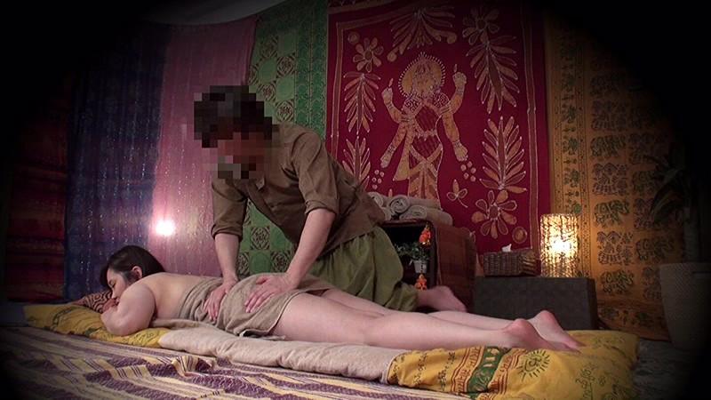 ★配信限定特典付★素人人妻をタイ古式マッサージの無料体験と偽り騙して癒して中出ししちゃいました 中央区編 の画像14