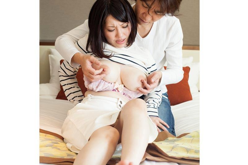 「夫では満たされなくて…」愛より性欲を優先する巨乳人妻12人4時間 の画像15