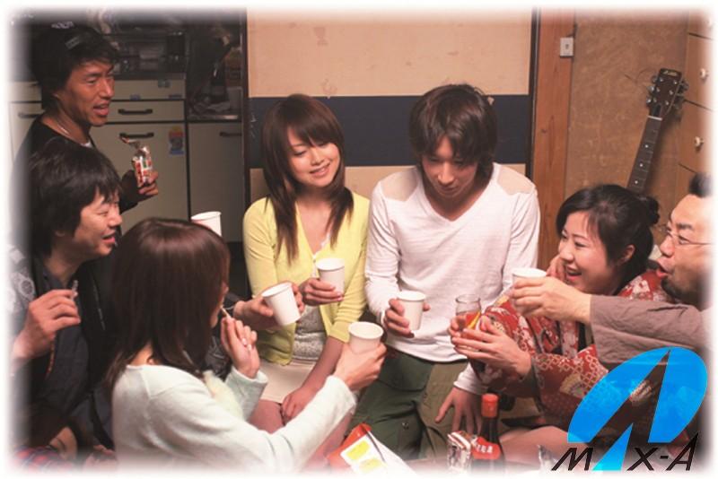 OFFは元恵比寿マスカッツのエロ画像 吉沢明歩と共演