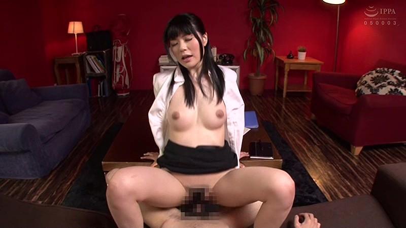 卑猥な淫語とセックスで射精を促す淫乱痴女34人 4時間Special Part2 の画像8