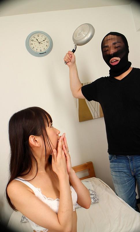【VR】NTR! 新婚初夜にまさかの強盗!ボクのかわいい新妻が強盗のチ●ポでイカサレまくっているのを目の前で見せられて、気付くと自分もガチガチに勃起していた! 茉莉ひな-2