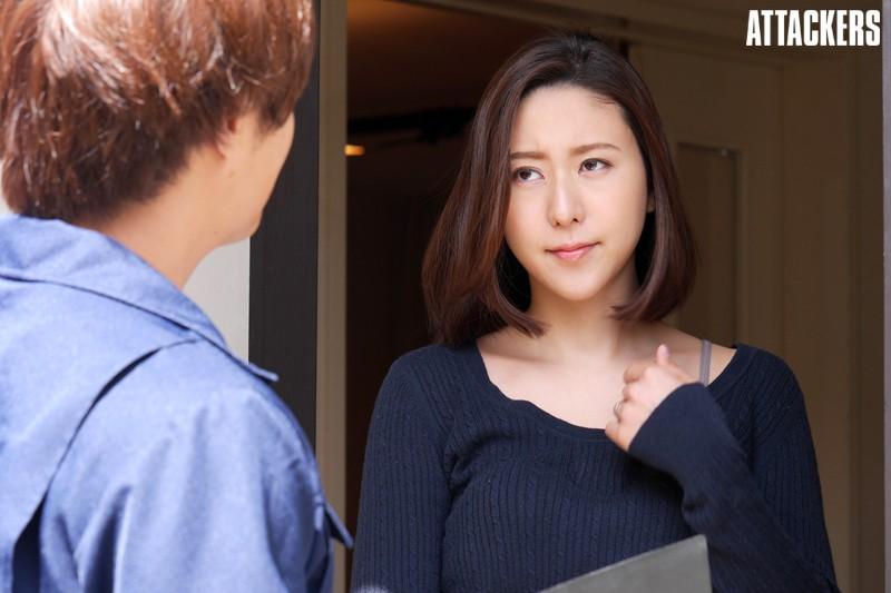 汗ばむ赤裸妻 松下紗栄子のサンプル画像1