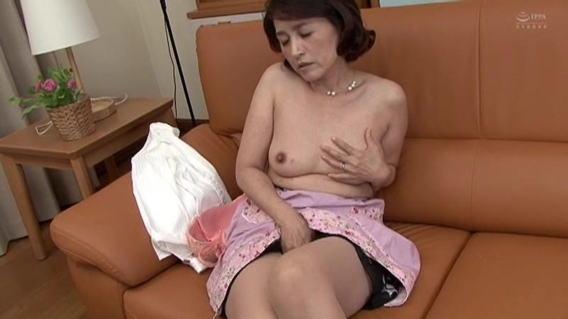 近親相姦 五十路のお母さんに膣中出し 小田しおり の画像20