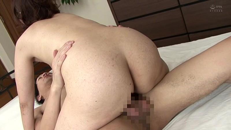 近親相姦 五十路のお母さんに膣中出し 小田しおり の画像5