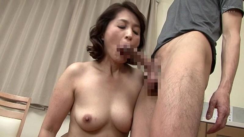 近親相姦 五十路のお母さんに膣中出し 小田しおり の画像13