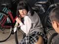 [AP-322] 駐輪場で拘束され固定媚薬バイブで放置イキしながら助けを求める敏感女子校生を犯さずいられますか?