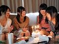 [AP-403] 絶倫オヤジ連続中出し誕生日会 娘の誕生日会にやってきた娘の友達を絶倫オヤジが何度も何度も連続中出しで犯しまくる!
