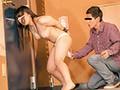 (ap00499)[AP-499] ラブホテル 拘束固定媚薬バイブ放置 ラブホテルの廊下でほぼ全裸状態で拘束され媚薬バイブをアソコに突っ込まれた敏感娘を犯さずにいられますか? ダウンロード 7