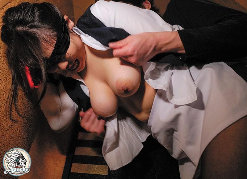 巨乳ホテル清掃員 目隠し拘束固定バイブ放置痴漢 の画像7