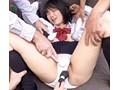放課後に輪わされて…。悲鳴を上げても届かない絶望の中で、少女たちは身も心も男に喰われ、壊されてゆく…。 11