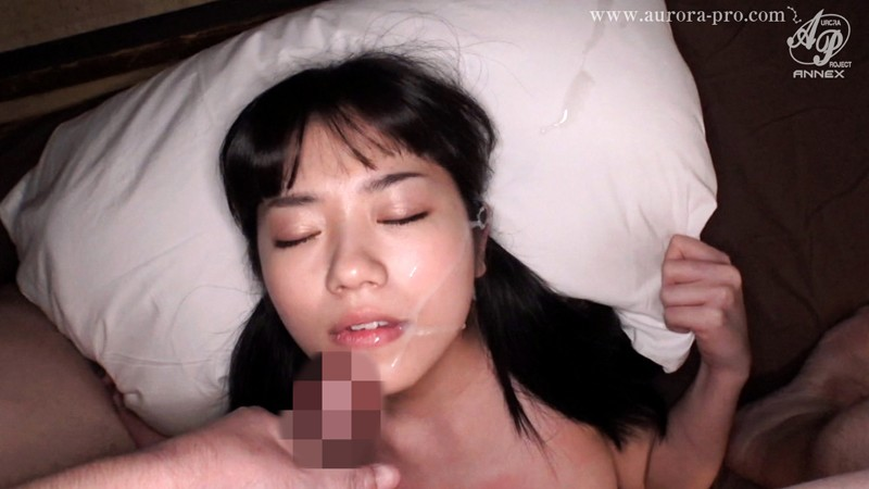 セックスとは無縁と思えるほど可憐な制服美少女の淫乱ハメ撮り 有栖るる 画像14枚