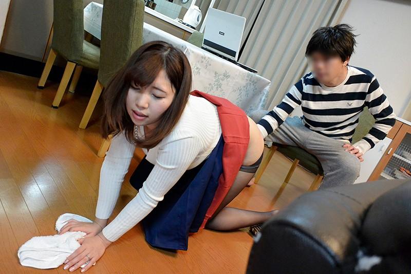 夫の知らない淫らな愛妻 派遣先で妻が抱かれているようです…。 愛花みちる の画像9