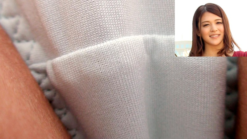 パンティの質感・匂いも味わえる! スカートの中 超接近&超接写挑発 の画像1