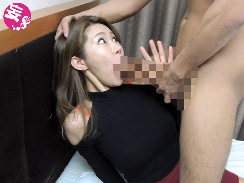 【チ○ポ堕ち韓国美女】密着マッサージで1時間近く自慢の勃起メガチ○ポを見せ続けられた韓国エステティシャンは驚きの顔に…。9人4時間 の画像8